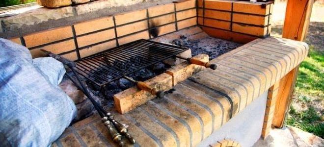 Comment construire un barbecue en briques