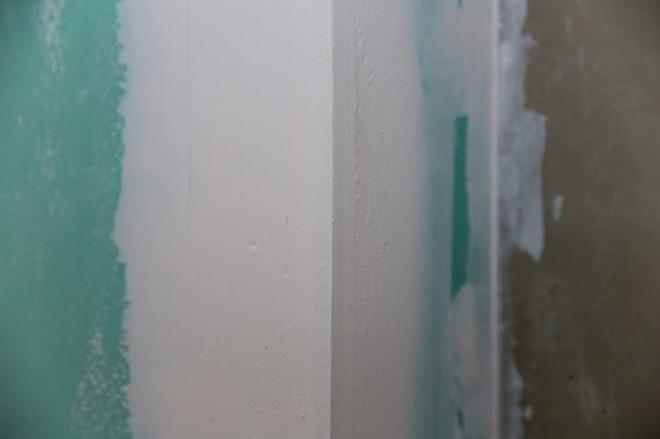 Comment peindre la résine acrylique ?