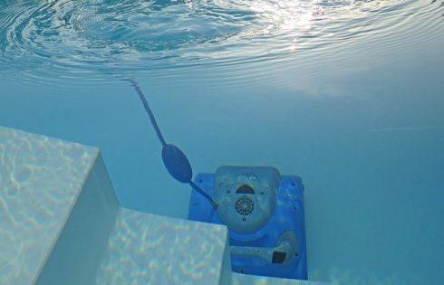 Quel robot de piscine choisir ? Le PLUS cher n'est pas le mieux !