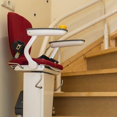 Conseil, budget & aides pour installer un monte escalier