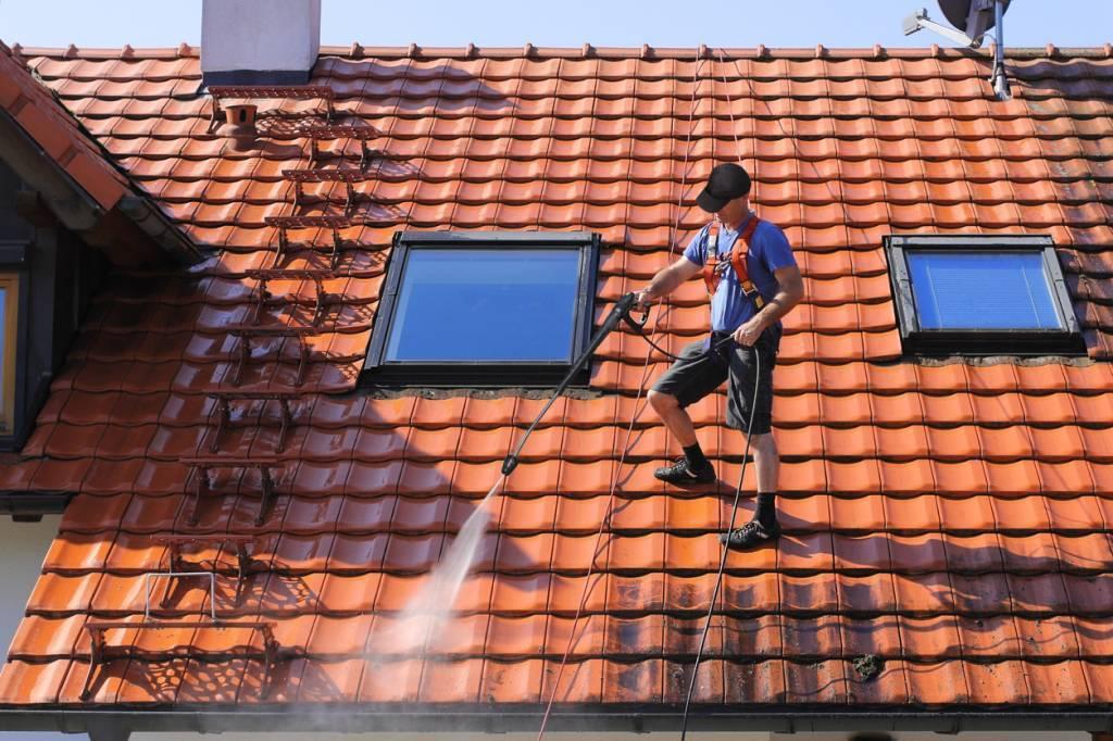 démoussage de toiture comment faire