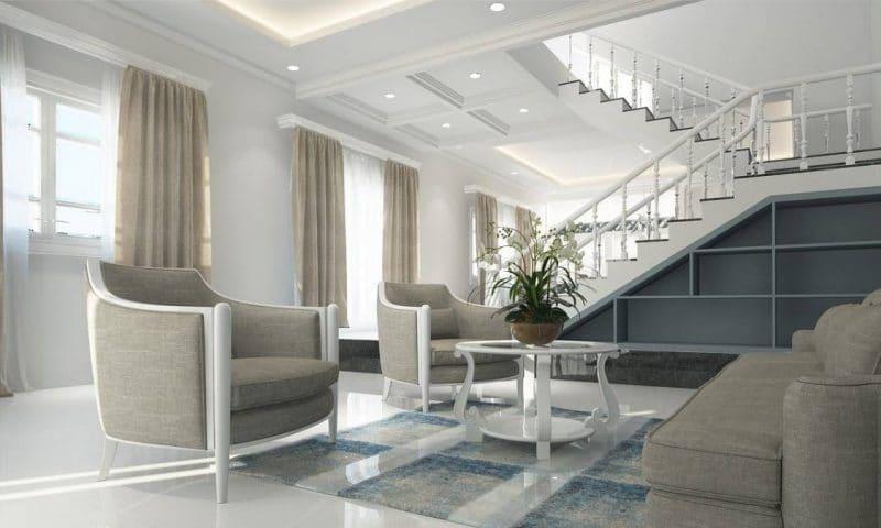 Comment créer un plafond tendance et lumineux dans son salon ?