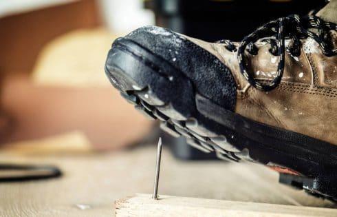 Chaussures de sécurité : pourquoi est-ce une obligation ?
