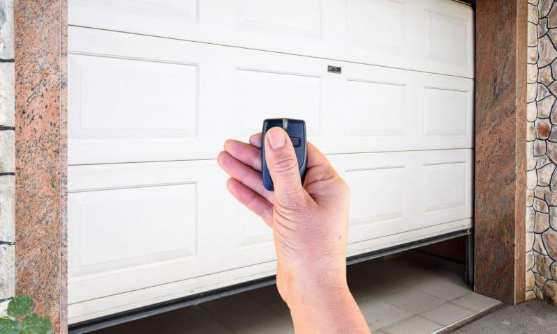 Comment poser une porte de garage ?