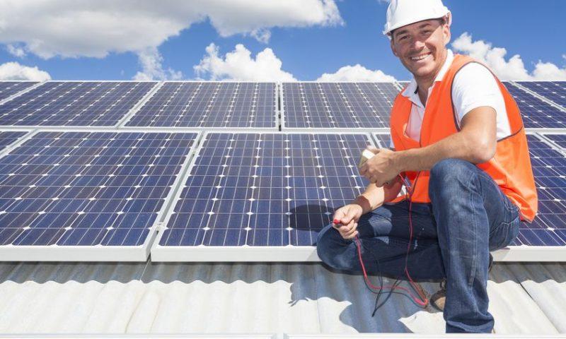 Installer des panneaux solaires : 4 avantages à en tirer